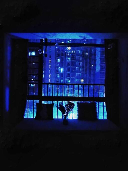 超大浪漫飘窗台