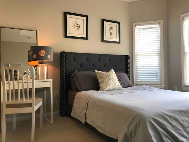 #3 Spacious Stylish & Cozy private bedroom
