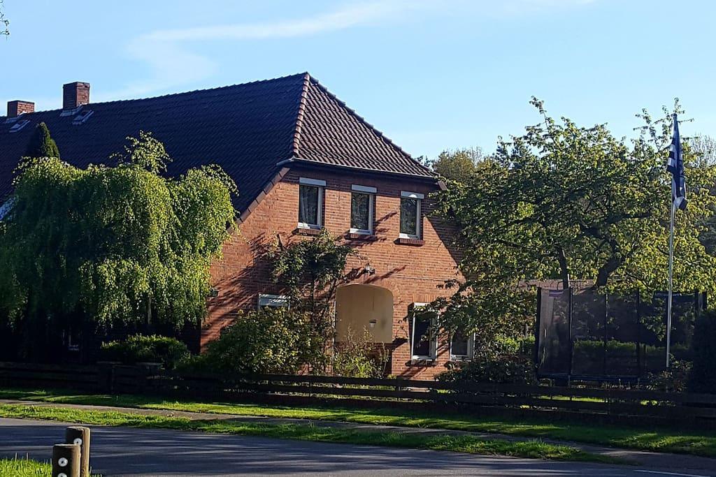 ferienwohnung auf dem bauernhof wohnungen zur miete in h uslingen niedersachsen deutschland. Black Bedroom Furniture Sets. Home Design Ideas