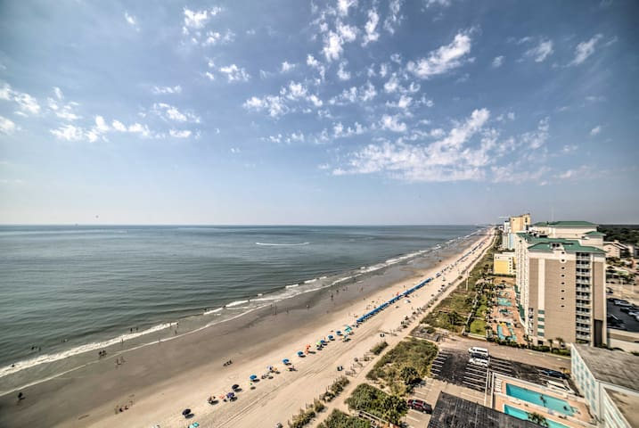 Oceanfront Myrtle Beach Condo w/ Resort Amenities!