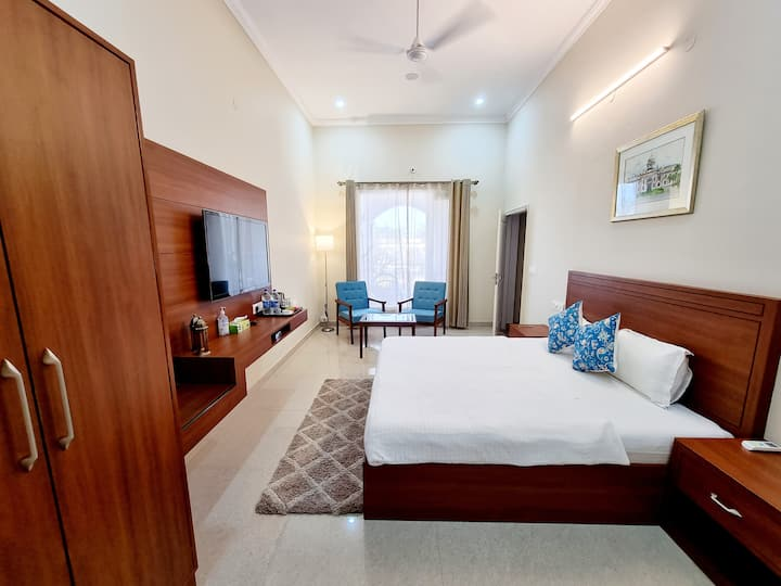 Super Deluxe Room With The Heritage Villa