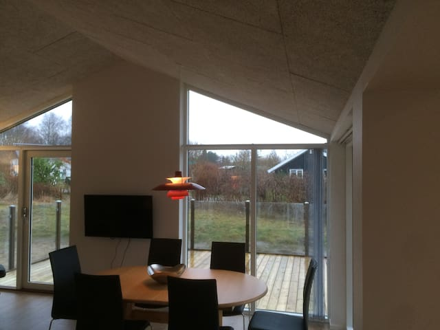 New luxury house with sea view - Glesborg - Blockhütte