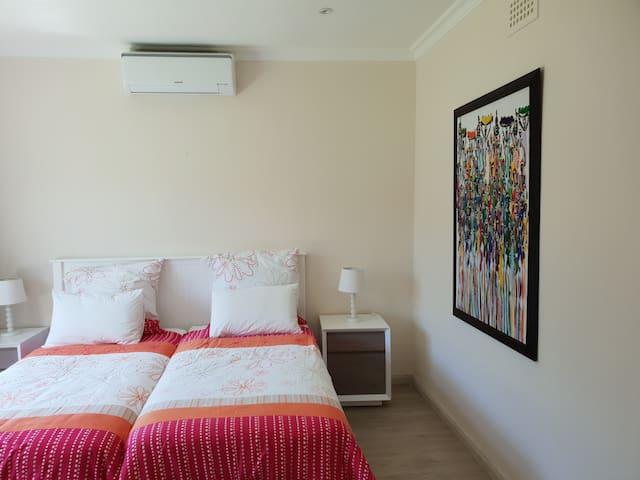 Villa Karibu - Second Bedroom