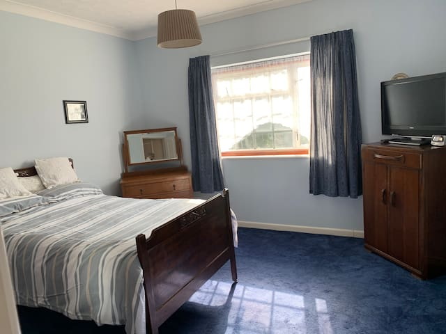 Large Double room in Southampton