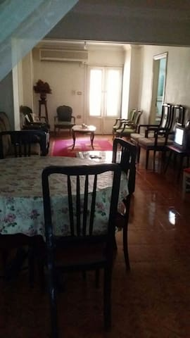 Entire Spacious home middle of Cairo 3 ro