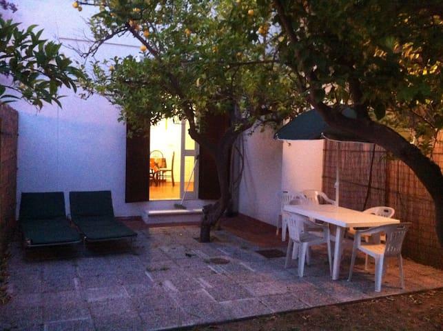 Bilocale in villetta  a soli 50 mt. dal mare - Vieste - Prázdninový dům