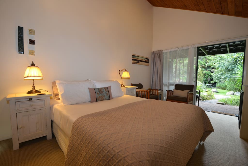 Our cosy double rooms with patio and ensuite