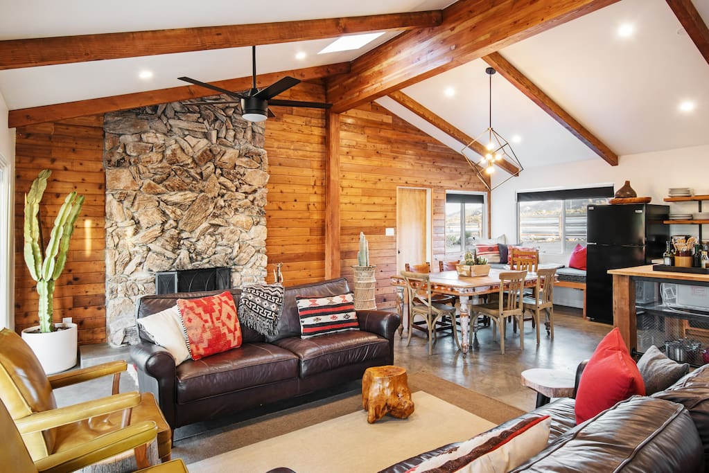 Spacious Living Space for larger groups