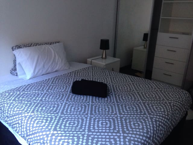 Unbeatable location! - North Adelaide - Apartamento