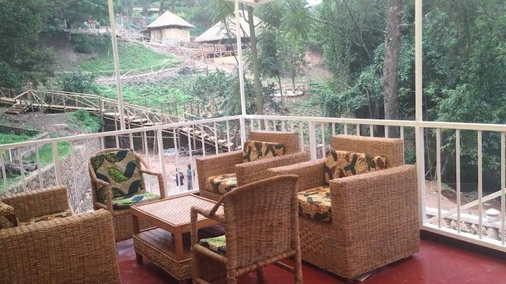Amazing Kiyovu Compound - 2 bedroom lower house
