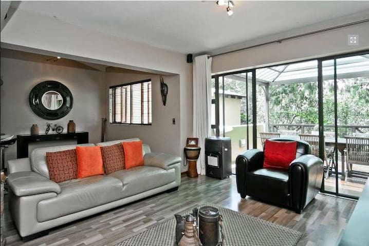 Luxury private apartment in the heart of Sandton