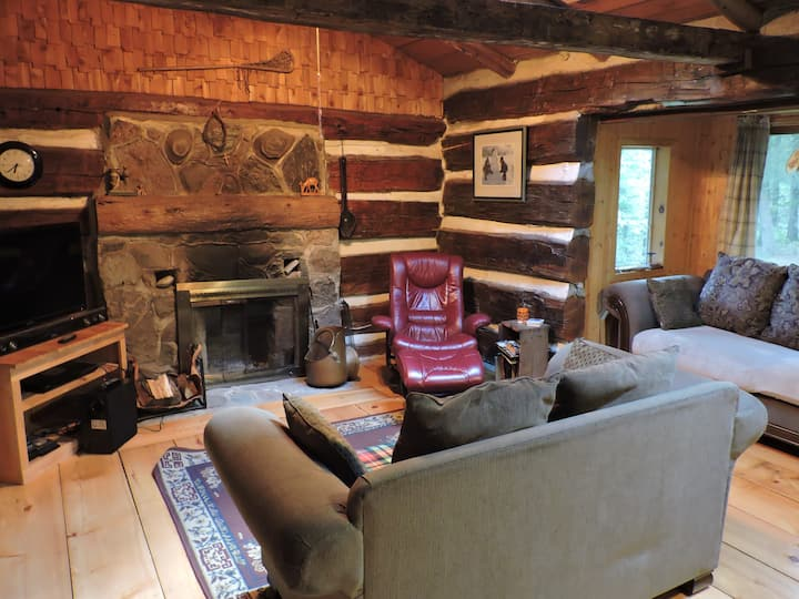 Enjoy a Peaceful Setting. Log Cabin with Fireplace