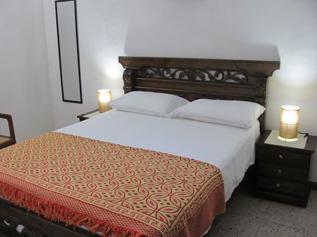 Old city- Great location whole apartment- AC-WIFI - Cartagena - Appartamento