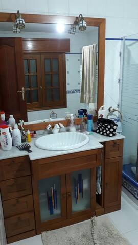 Cama matrimonio, baño y garaje - Seixalbo