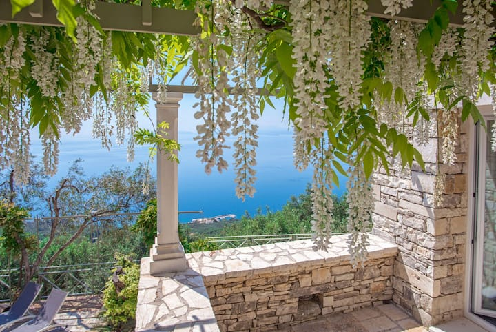 Paleopetres Blanche - sea views - pool - privacy