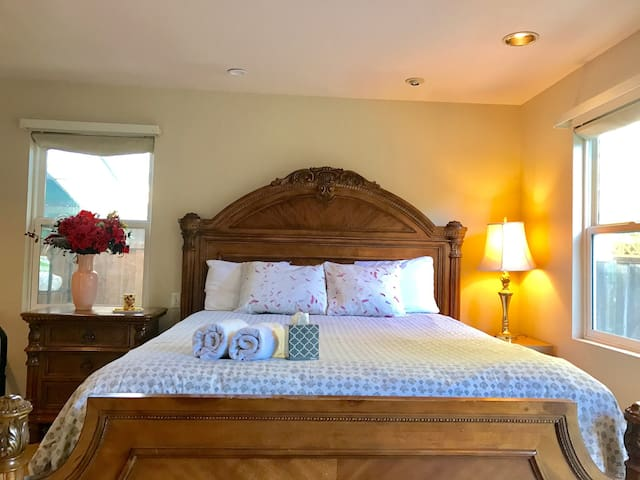 [W8] Big Room,Central,SAP,Airport,Campell,Avaya - San Jose - House