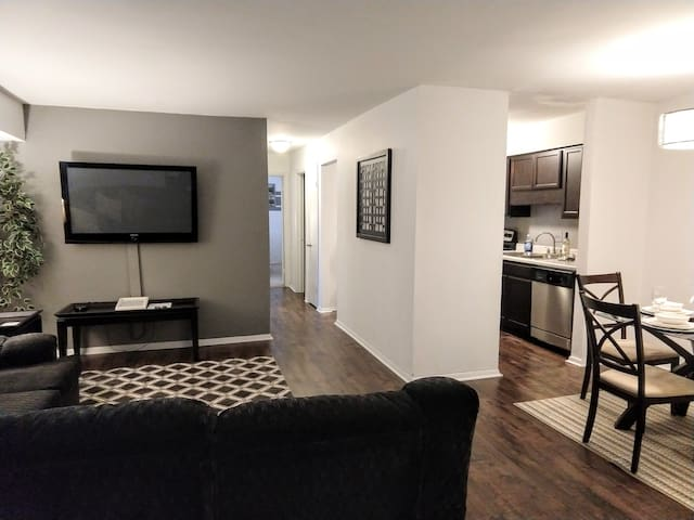 Cozy Condo in Central Raleigh