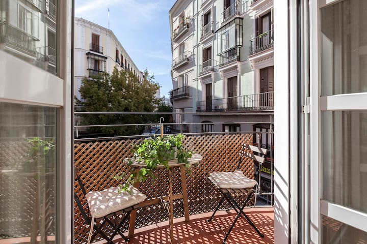 Charming apartment with balcony in Gran Via