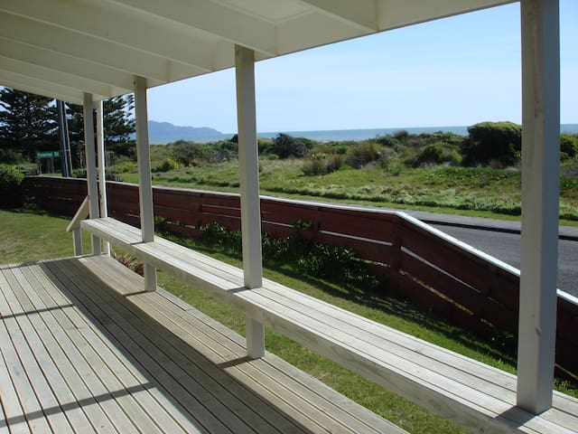 Luxury at the Beach - Otaki Beach - Huis