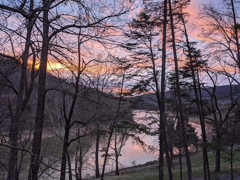 Play N Hooky at Cherokee Lake