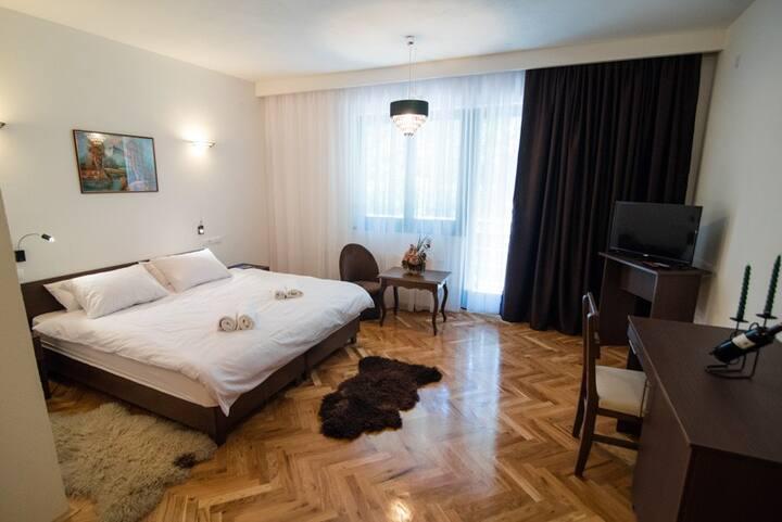 Holiday Resort Zlatni Dol | Triple Room W/Balcony