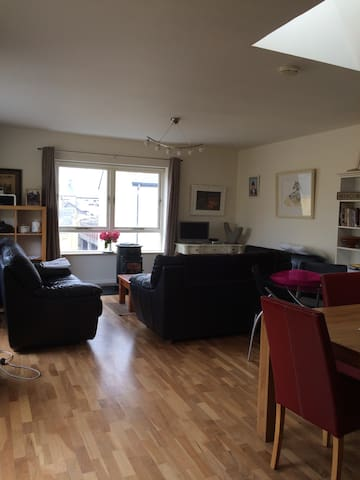 Beautiful Apt in Centre  of Lahinch (shared accom) - Lahinch - Lakás