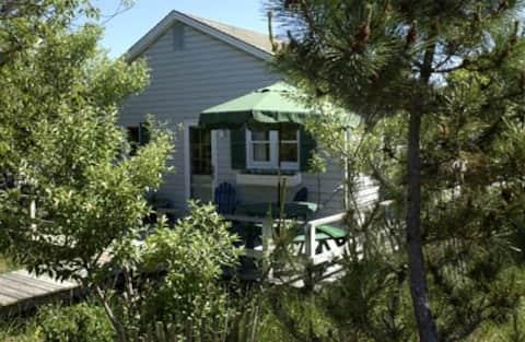 Fair Harbor Beach Cottage