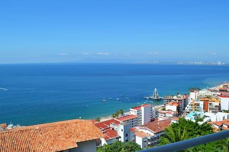 Amapas Ocean View Contemporary Condo - Puerto Vallarta - Kondominium