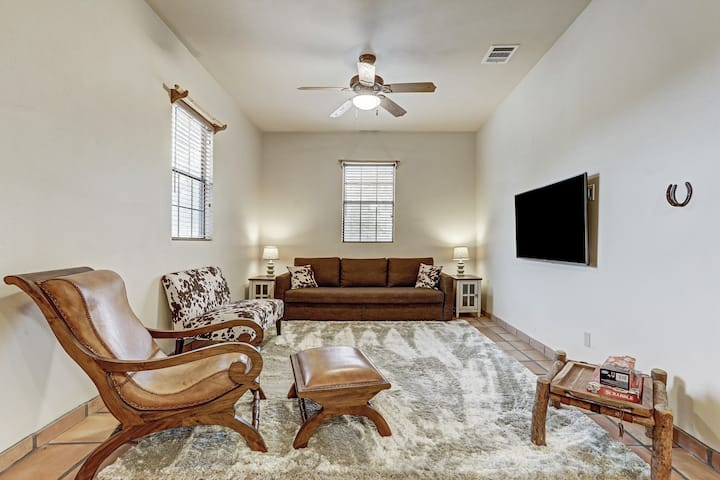 Casita Retreat Near Dripping Springs and ATX!