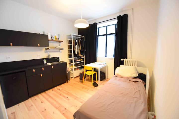 Studio style loft à 2mn de la Gare Ave de Contades