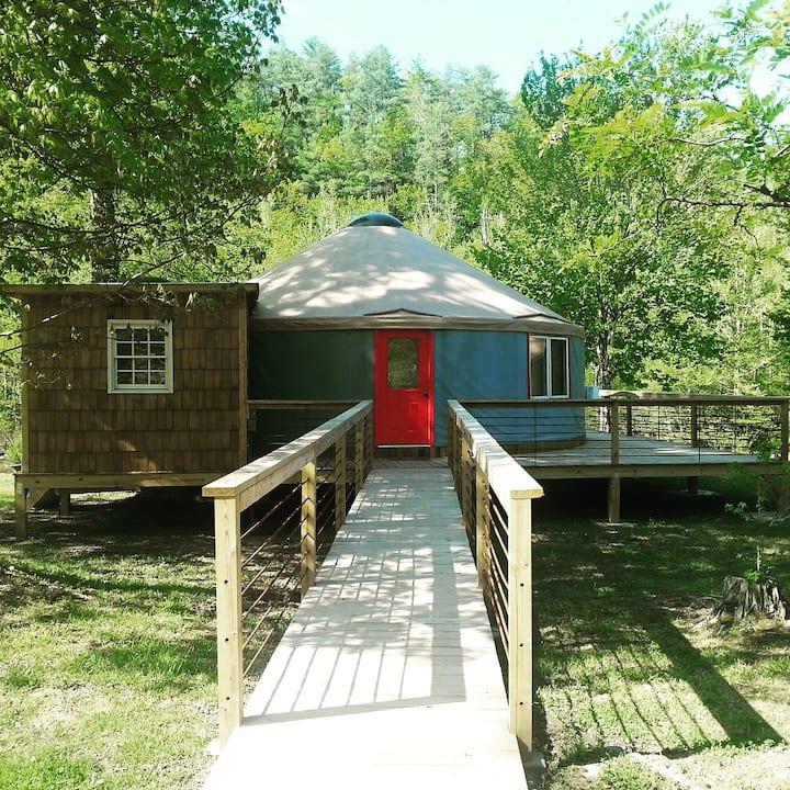 Romantic Getaway in the Forest . Yurt #6