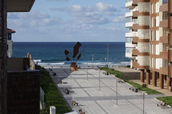 Piso amplio con terraza y vistas al mar - Bakio - Lägenhet