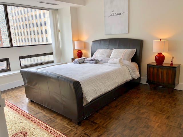 convenient ONE bedroom in DOWNTOWN TORONTO
