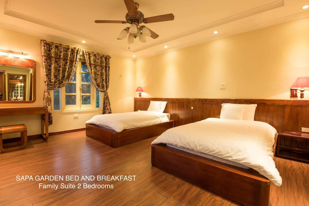 2 single beds in the family suite 2 bedrooms
