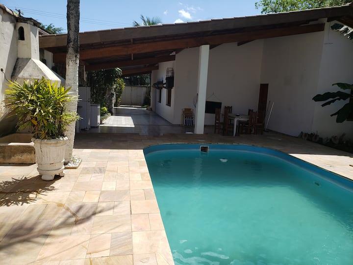 Casa no Guaruja com piscina 500m da Praia