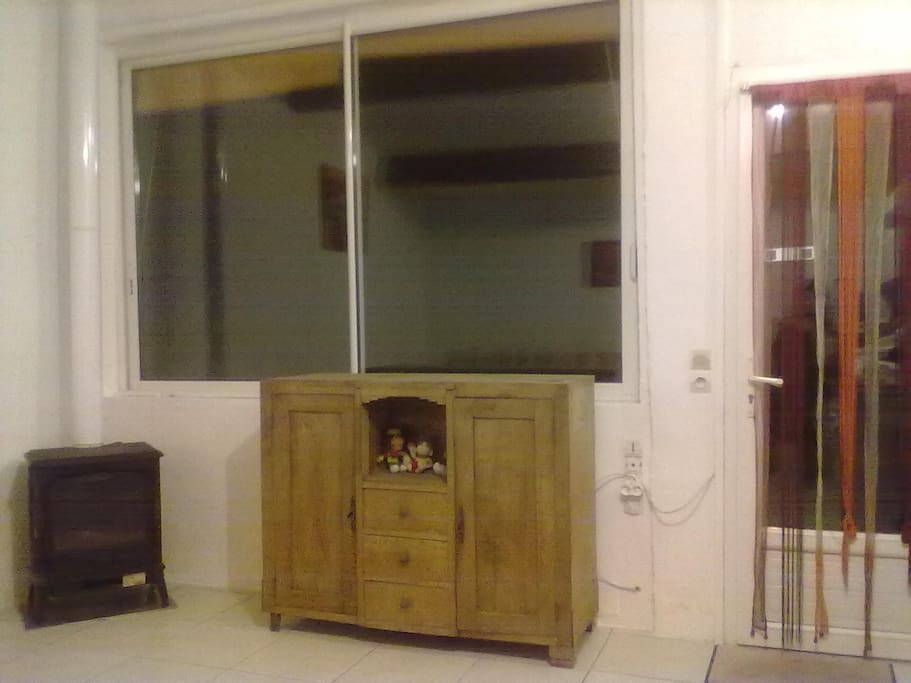 maisonnette loft studio 25 m2 5mn d 39 agen casas en alquiler en astaffort nouvelle aquitaine. Black Bedroom Furniture Sets. Home Design Ideas