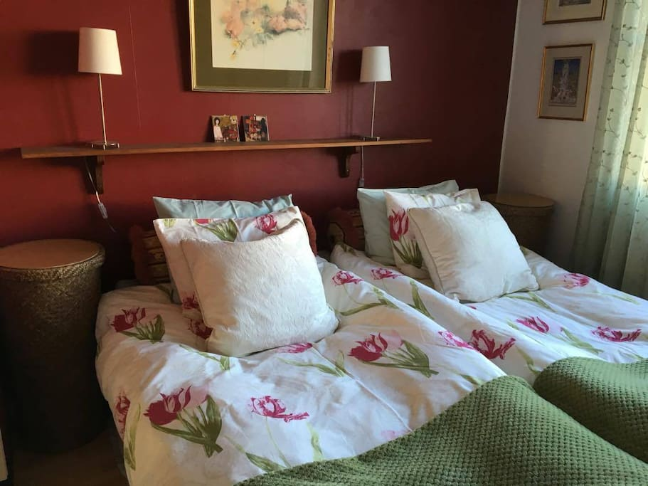Double room with double bed.