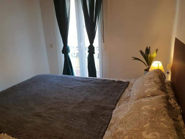 Room for 2 in center Poble sec/Montjuic/pl.España
