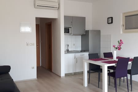 Studio 1, 250 m from beach-PARKING - Mlini - Apartmen