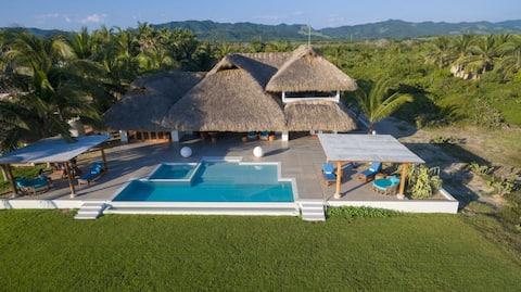 Casa Gaby - A luxurious, beachfront villa