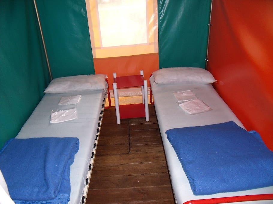 chambre 1 avec un lit éventuel de 140 cm