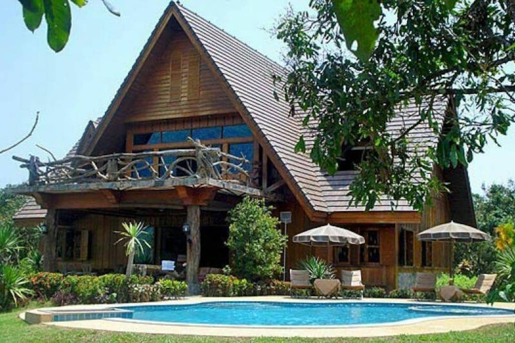 Spectacular mountain view villa with private pool houses for rent in chiang dao chiang mai for Chiang mai house for rent swimming pool