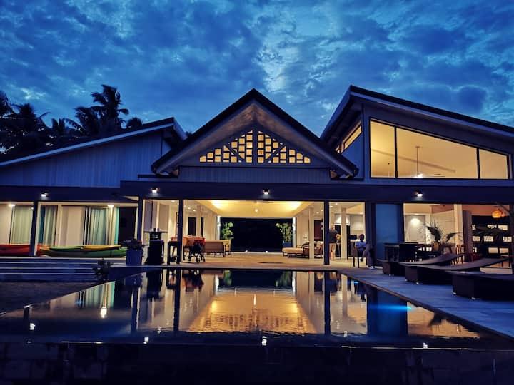 Villa Jessivia Beach by Lagoon Dream