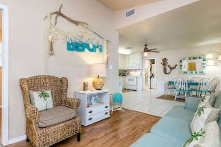 Newly Remodeled 3BR in Rockport, Minutes to Beach! - Rockport - 公寓