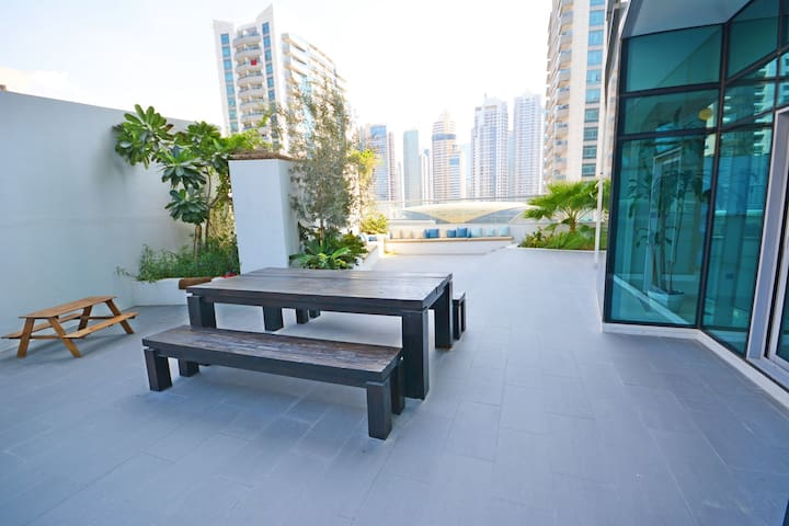 4/5-BR Duplex + own roof-garden + pool