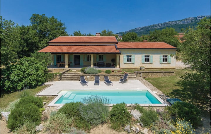 Awesome home in Buzet with WiFi and 4 Bedrooms