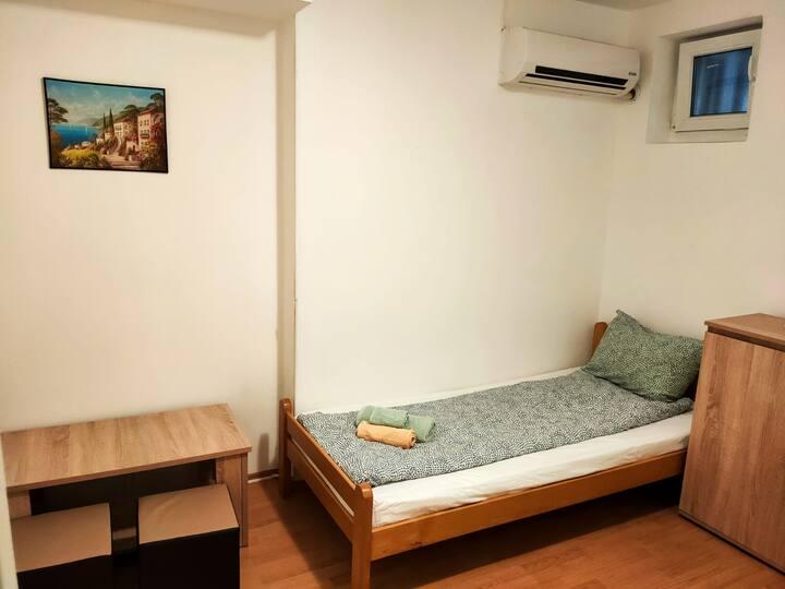 Zvezdara Room No.11