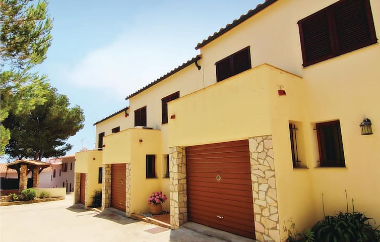Terraced house with 4 bedrooms on 175m² in Begur