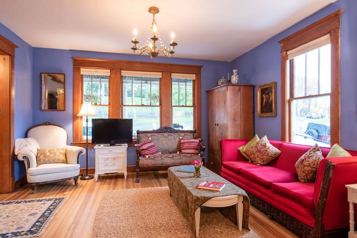 Palazzo Hudson; a Country Home in Vibrant Hudson