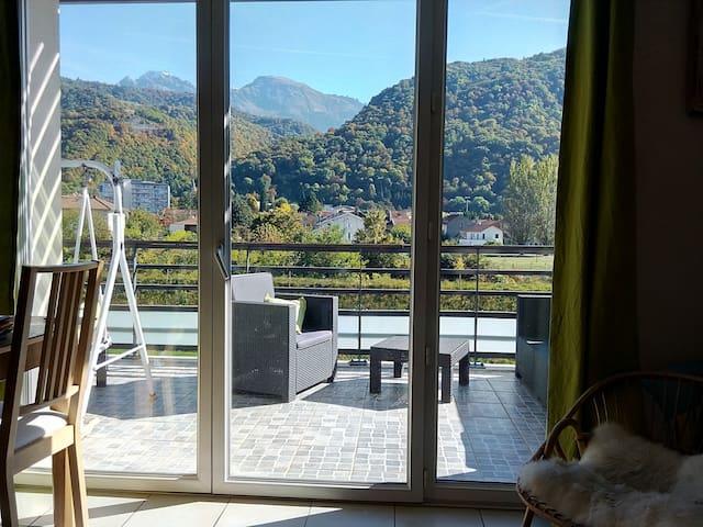 Chambres au calme vue sur Belledonne - Domène - Leilighet
